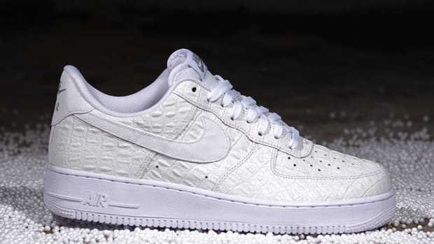 nike-air-force-1-07-lv8-all-white-00