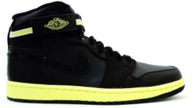 air-jordan-i-retro-high-strap-black-voltage-yellow-0
