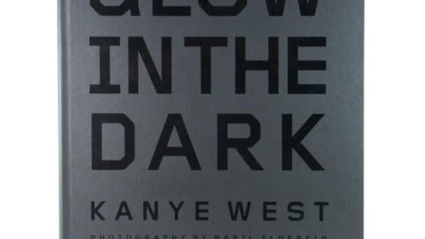 kanye_west_glow_in_the_dark_1