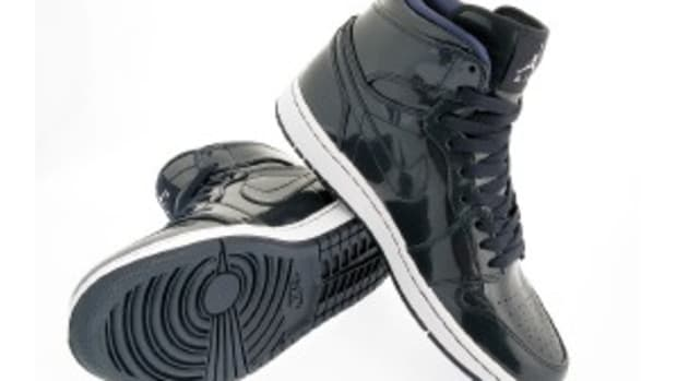 air-jordan-i-retro-high-dark-obsidian-metallic-zinc-0