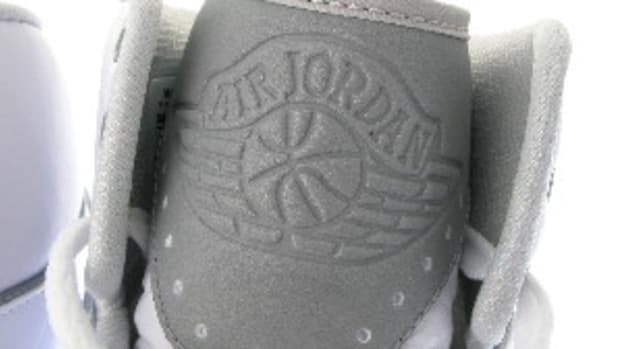 air-jordan-ii-retro-white-available-now-0