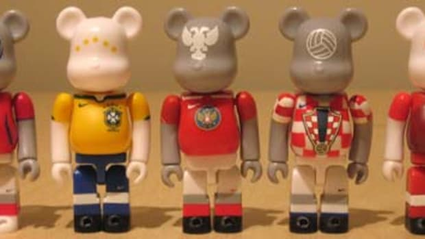 Joga Bonito - Book + BE@RBRICK Set - 0
