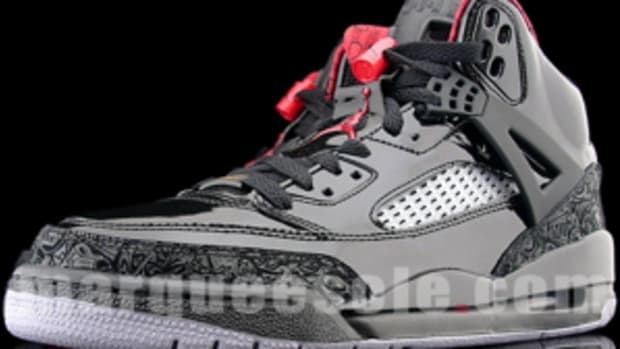 air-jordan-spizike-black-stealth-0