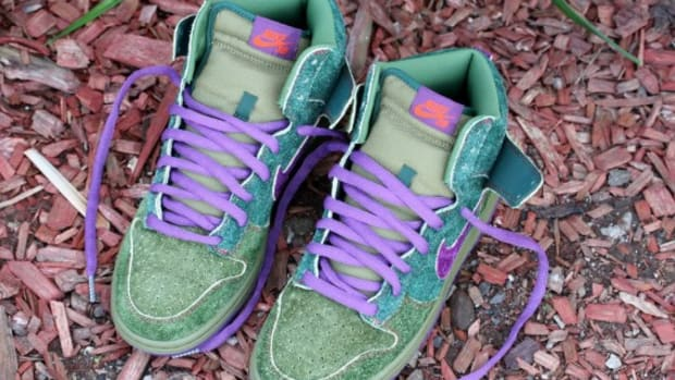 nike-sb-green-skunk-dunk-high-13