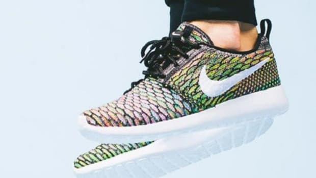 nike-wmns-flyknit-roshe-multi-color-silver-available-1