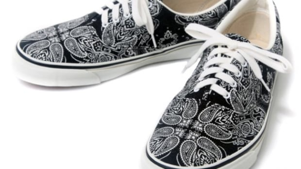 cross-paisley-sneakers-01