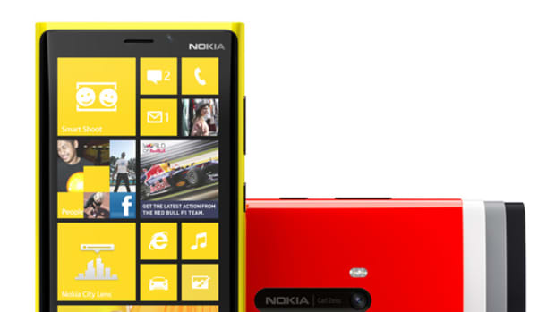 Nokia-Lumia-920-Windows-Phone-8-01
