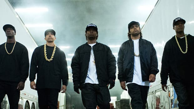straight-outta-compton-red-band-trailer-00