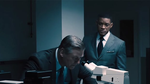 will-smith-takes-on-nfl-in-trailer-for-concussion