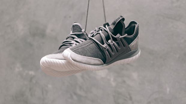 adidas-tubular-radial-grey-fleece-00.jpg