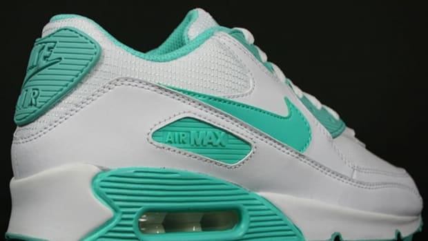 nike-wmns-air-max-90-white-cool-mint-white-3