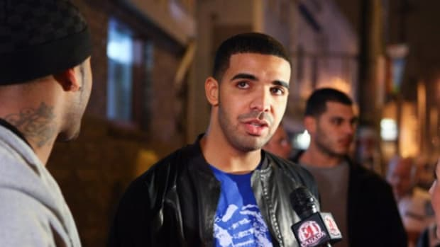 Fresh-Celeb-Drake-Red-Wing-Black-1