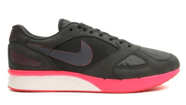 Nike-Air-Mariah-Black-White-Red-1