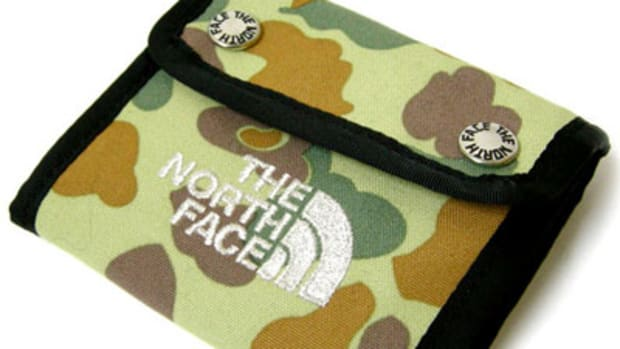 Base Camp Dot Wallet Camo