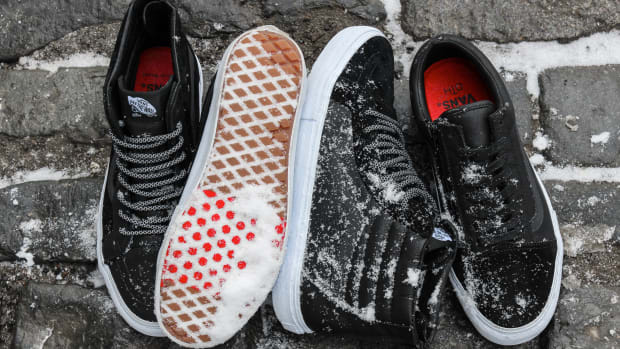 vans-off-the-hook-raised-by-wolves-pack-00.jpg