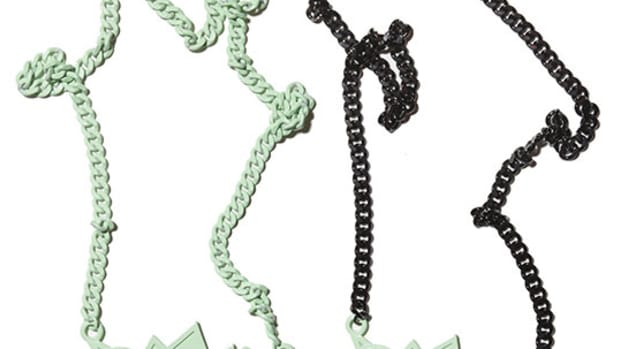 ambush-glow-in-the-dark-king-pow-chain-1