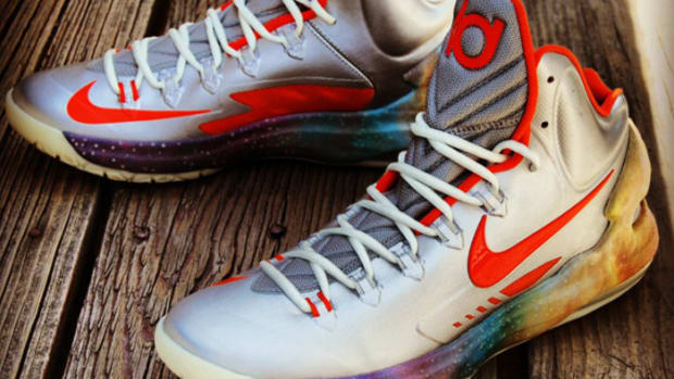 nike-kd-v-galaxy-big-bang-alike-customs-by-gourmet-kickz-03