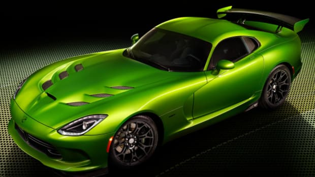 2014-srt-viper-stryker-green-naias-detroit-01