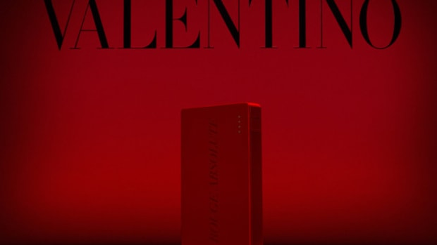 valentino-mophie-limit-edition-powerstation-4000-battery-pack-cash-rocket-tour-00
