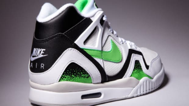 nike-air-tech-challenge-ii-poison-green-02