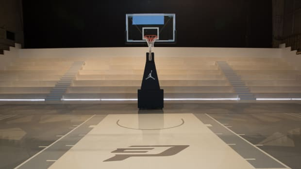 jordan-hangar-basketball-court-in-los-angeles-06