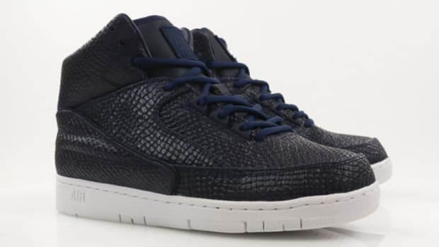 nike-air-python-sp-obsidian-and-white-07