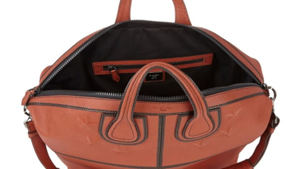 givenchy-star-studded-nightingale-tote-basketball-leather-01
