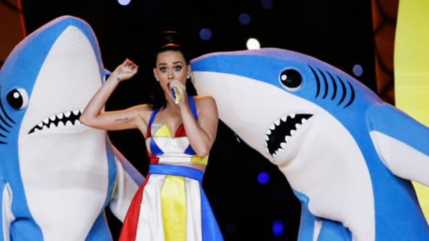 katy-perry-super-bowl-2015-halftime-show-00