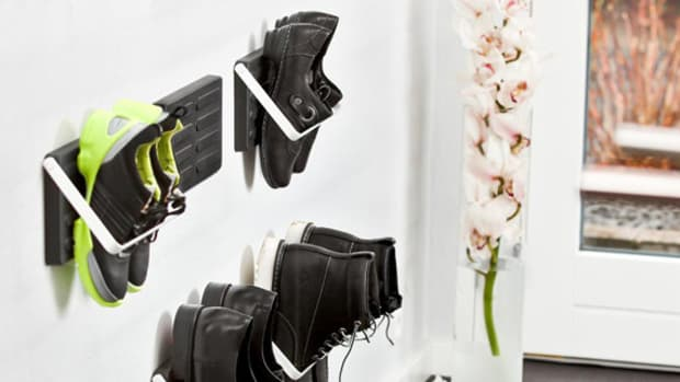 wall-mount-shoe-storage-loca-00