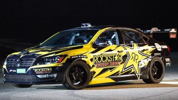 tanner-foust-unleashes-900hp-vw-passat-on-formula-drift-1