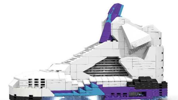 lego-air-jordan-5-grape-01