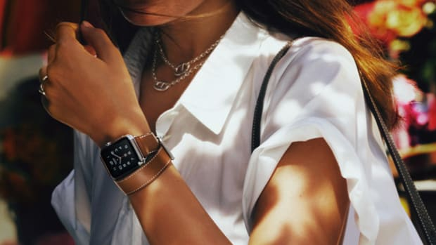 apple-and-hermes-unveil-luxurious-takes-on-the-apple-watch-00
