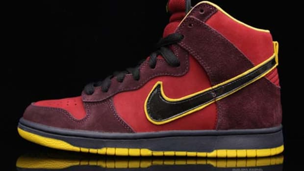 nike-sb-dunk-hi-iron-man-1