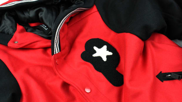 play cloths hooded varsity summary