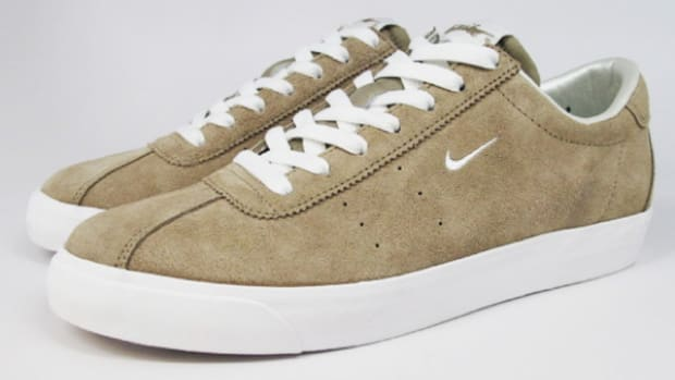 nike-sportswear-zoom-match-classic-khaki-available-now-2