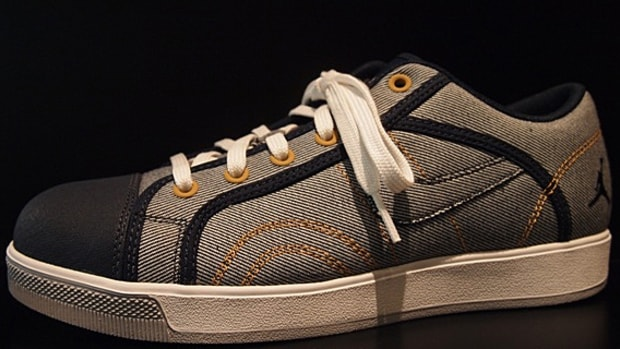jordan-sky-high-retro-txt-low-denim-01