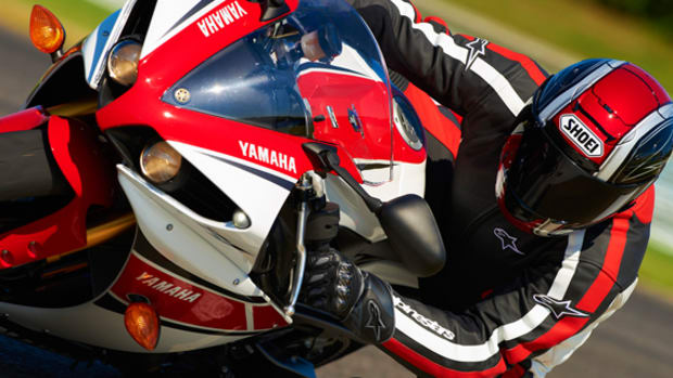 yamaha-YZF-R1-World-GP-50th-Anniversary-24