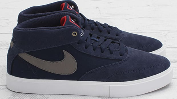 nike-omar-salazar-midnight-navy-metallic-grey-white-black-01