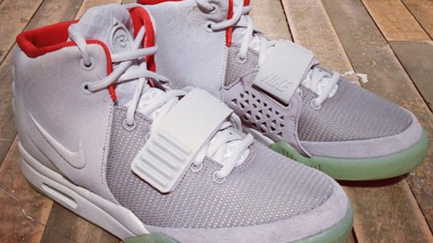 nike-air-yeezy-2-france-release-info-00