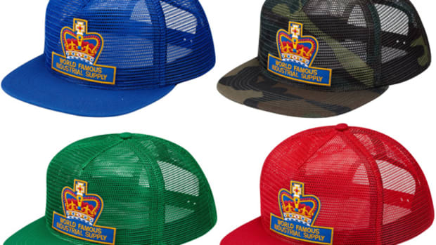 supreme-royal-supply-5-panel-mesh-cap-00