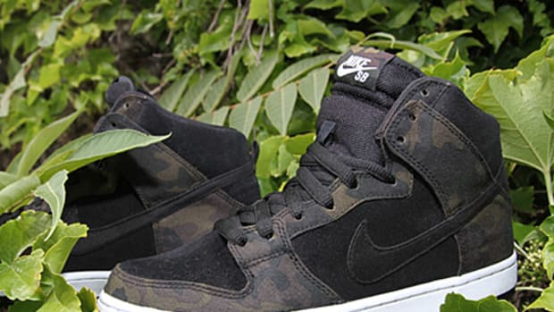 702a7fb632bc Nike SB Dunk High - Anthracite Golden Straw