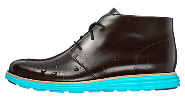 cole-haan-lunargrand-chukka-waterproof-reflective-edition-01
