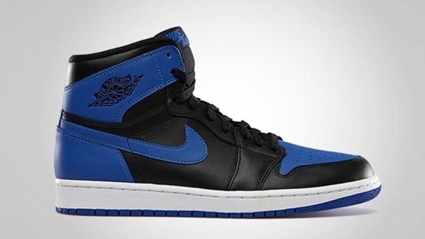 air-jordan-1-retro-high-og-black-varsity-royal-02