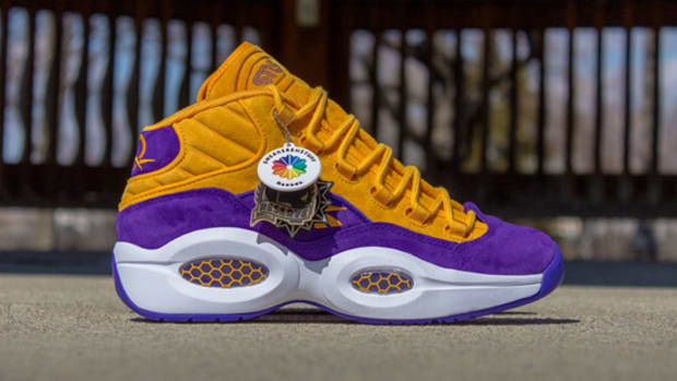 sneakersnstuff-reebok-question-mid-crocus-available-now-05