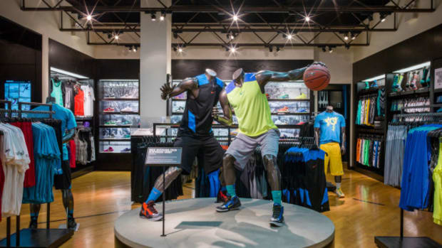 9caddd800 HOUSE OF HOOPS by Foot Locker – Madison Square Garden - Freshness Mag