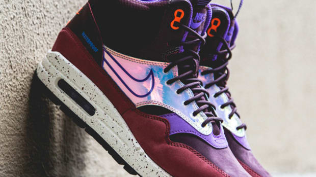 nike-women-air-max-1-mid-sneakerboot-deep-burgundy-01