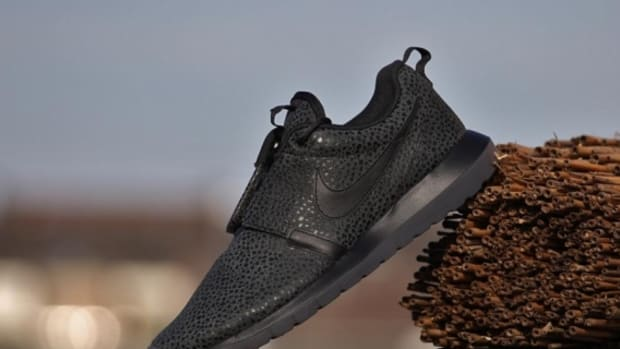 nike-roshe-run-nm-safari-triple-black-06