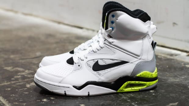 nike-air-command-force-billy-hoyle-684715-100-01