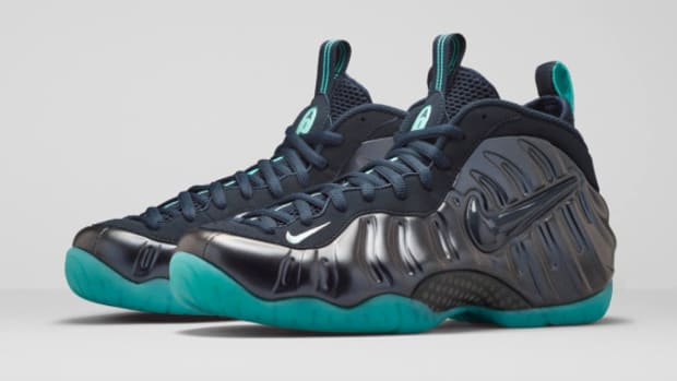 nike-air-foamposite-pro-dark-obsidian-06
