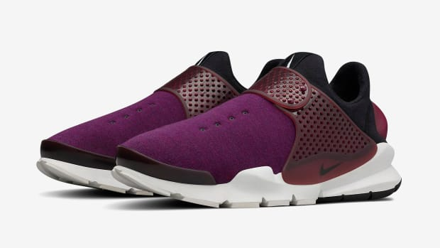 nikelab-sock-dart-fleece-00.jpg